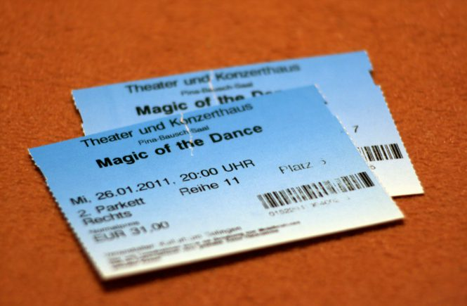 Zwei Magic of the Dance Tickets